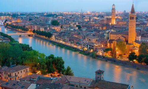 """A Verona per un """"selfie con la regina"""""""
